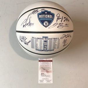 Villanova 2018 Team 6 Signed Champion Basketball